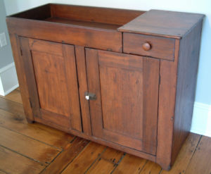 Poplar Dry Sink, 1 Dovetailed Drawer, 2 Doors